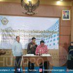 Bupati Sanggau Paolus Hadi bersama Ketua DPRD Kabupaten Sanggu