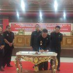 Bupati Sanggau dan Wakil Bupati Sanggau menghadiri Rapat Paripurna Ke-7 Masa Persidangan Ke-1 Tahun Sidang 201...