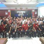 Wakil Bupati Sanggau Yohanes Ontot menerima kunjungan kerja anggota DPR RI bapak Cornelis di lantai musyawarah...