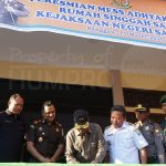 Bupati Sanggau Paolus Hadi dan Kejari Sanggau Tengku Firdaus mendampingi Kepala Kejaksaan Tinggi (Kajati) Kali...