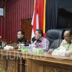 Bupati Sanggau Paolus Hadi menerima kunjungan Kepala Perwakilan BPKP Provinsi Kalimantan Barat Dikdik Sadikin ...