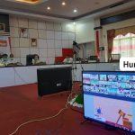 Video Conference Bupati Sanggau Paolus Hadi dengan Menteri Dalam Negeri  Tito Karnavian pagi ini di ruang rapa…