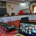 Video Conference Bupati Sanggau Paolus Hadi didampingi Wakil Bupati Sanggau Yohanes Ontot, Sekda Kab. Sanggau …